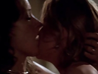 The L Word: Jennifer Beals and Laurel Holloman