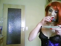 shemale tvsonja cum-eating 2
