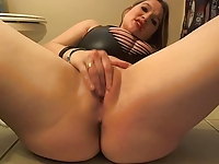 Hot Slut Farting and Dirty Talking On Cam!