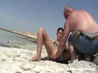 Amateur whore fist fucked on a public beach
