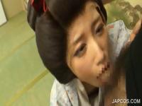 Oral sex on knees with asian babe