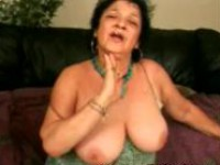 Amateur granny knows how to suck