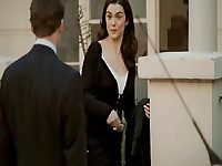 Rachel Weisz pregnant as she takes a bath and a guy films her with a webcam, her breasts visible above the water. We then get a look at her butt when she steps out of the tub and grabs a towel. From The Constant Gardener.