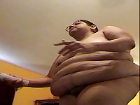 ALMA SMEGO PLAYING  WII BOWLING NAKED FAT SLUT IS NOT SHY