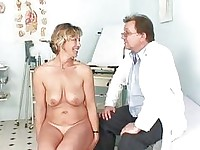 Older Vanda gyno pussy speculum checkup at gyno cl
