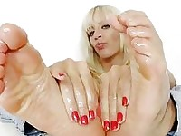 Nasty blonde Bella Morgan sweet feet