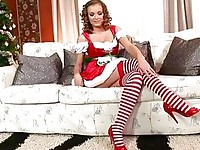 free hd porn tube Mrs Santa Claus Checks Toys Before XMas