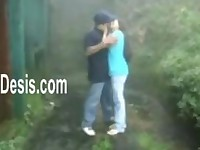 TEEN INDIAN COUPLES FKING IN RTHE OUTDOOR