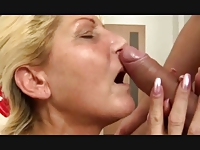 Betina (51) showerfuck and squirt