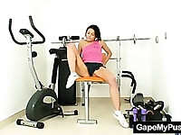 Skinny babe Victoria Rose pussy gaping in gym