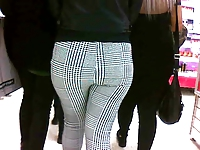 AMAZING TEEN ASS IN TIGHT LEGGINS 2